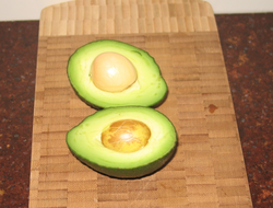 Avocados contain polyunsaturated fatty acids