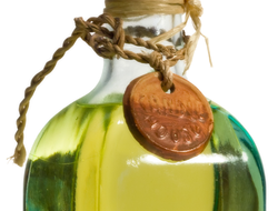 Vegetable oils are good sources of vitamin E